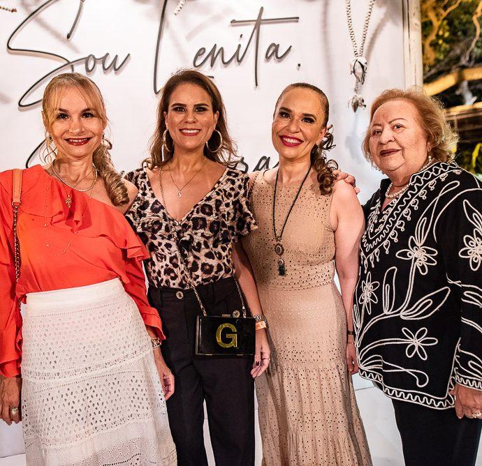 Neysa Santana, Geisa Cavalcante. Larissa Santana E Vilma Cavalcante