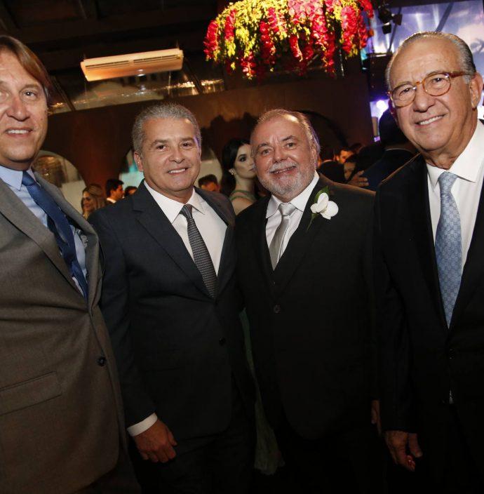 Phillip Brooks, Celso Tomaz, Pedro Carapeba E Candido Quindere
