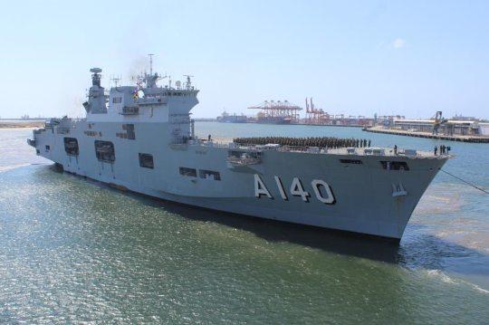 Porta-Helicópteros da Marinha aberto à visitação em Fortaleza