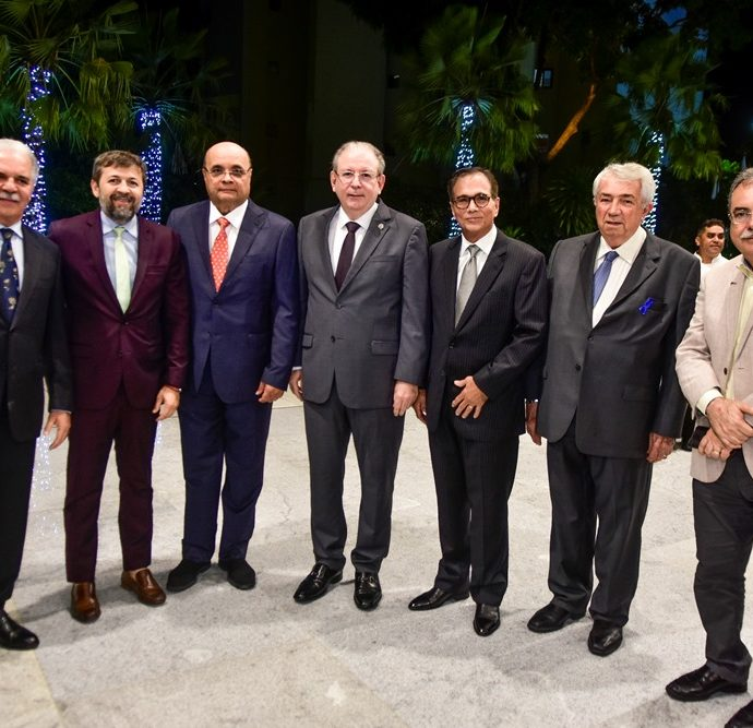 Pio Rodrigues, Elcio Batista, Fernando Cirino, Ricardo Cavalcante, Beto Studart, Roberto Macedo, Assis Cavalcante