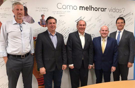 Roberto Cláudio busca novas parcerias com BID e CAF
