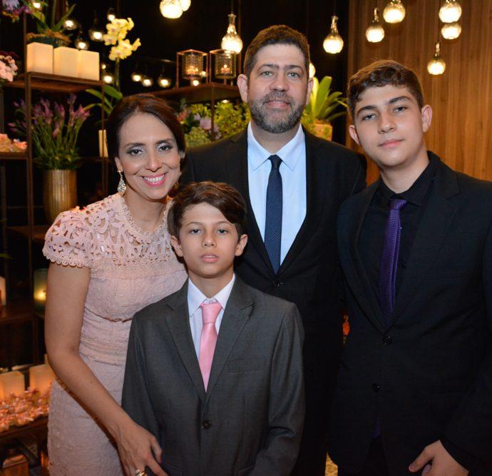 Renata Aguirre, Claudio, Davi E Pedro Barreto