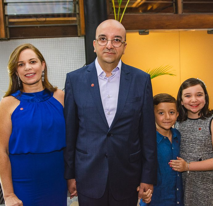 Renata, Andre, Arthur E Beatriz Barbosa