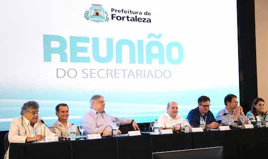 Roberto Cláudio planeja metas dos últimos 13 meses da gestão