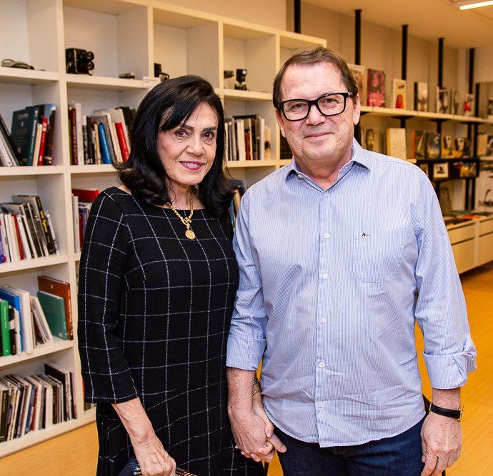 Riane E Paulo Correa