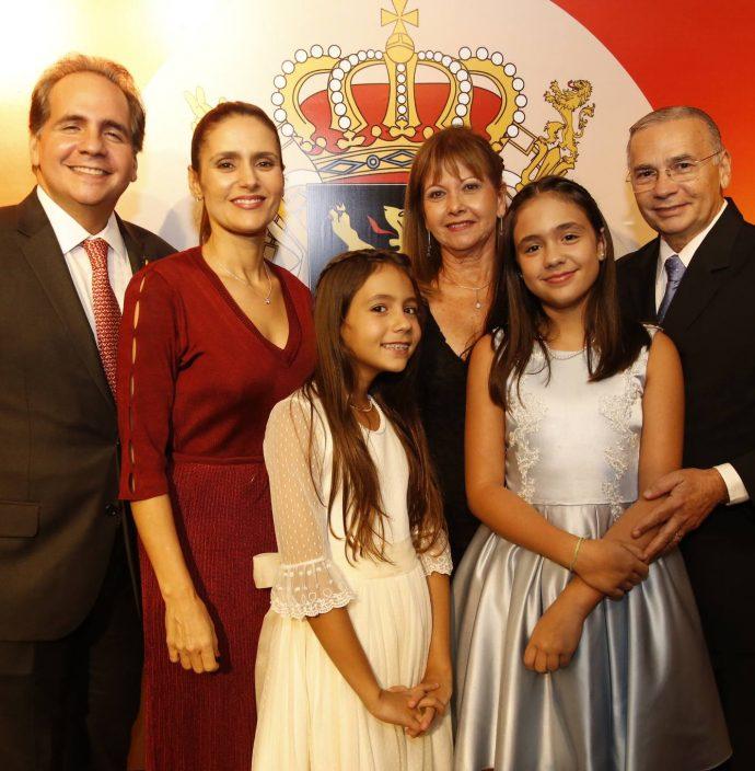 Ricardo, Manoela, Sara E Maria Bacelar, Lajana E Carlos Paiva