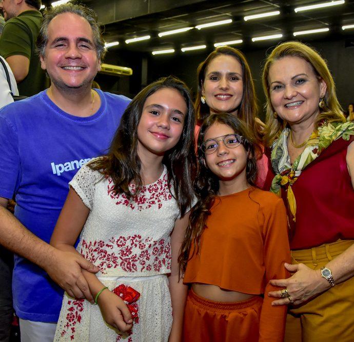 Ricardo, Maria E Sarah Bacelar, Manoela E Lenise Queiroz