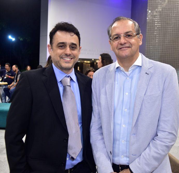 Roberto Caracas, Edison Henriques