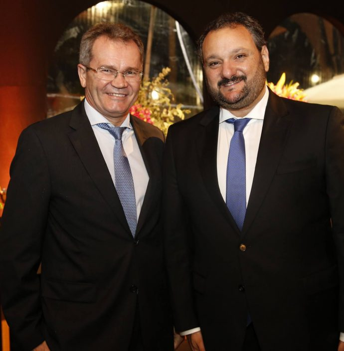 Sergio Macedo E Patriolino Dias De Souza
