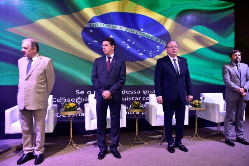 Centenário - André Siqueira comanda solenidade comemorativa dos 100 anos do CIC