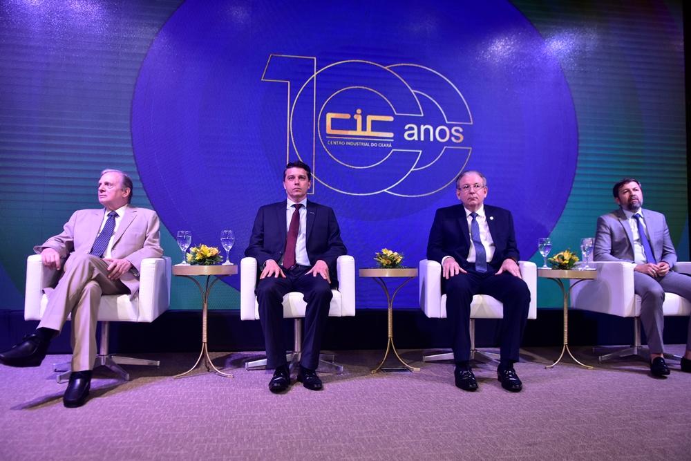 André Siqueira comanda solenidade comemorativa dos 100 anos do CIC