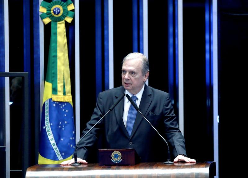 Tasso Jereissati quer ouvir Paulo Guedes sobre proposta da Reforma Tributária