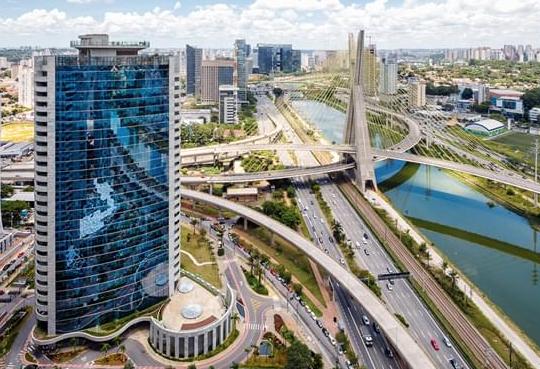 Blue Macaw entra na briga pela aquisição do TBOF11, dono do edifício Tower Bridge Corporate