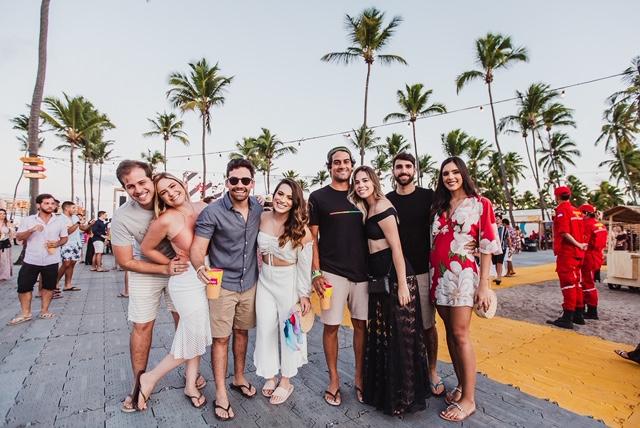 Turma Na Bikini Foto Lara Valença Easy Resize.com