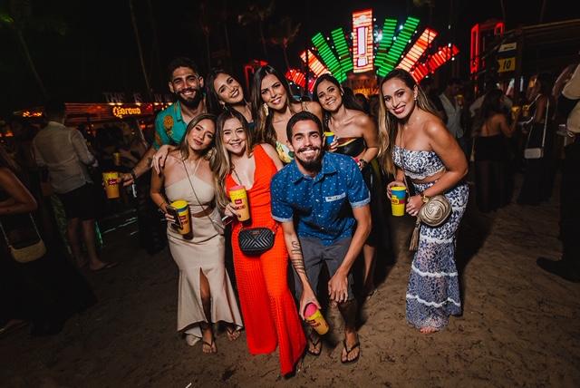 Reunindo atrações de peso, Bikini Memories agita a Praia de Maracaípe durante o feriadão