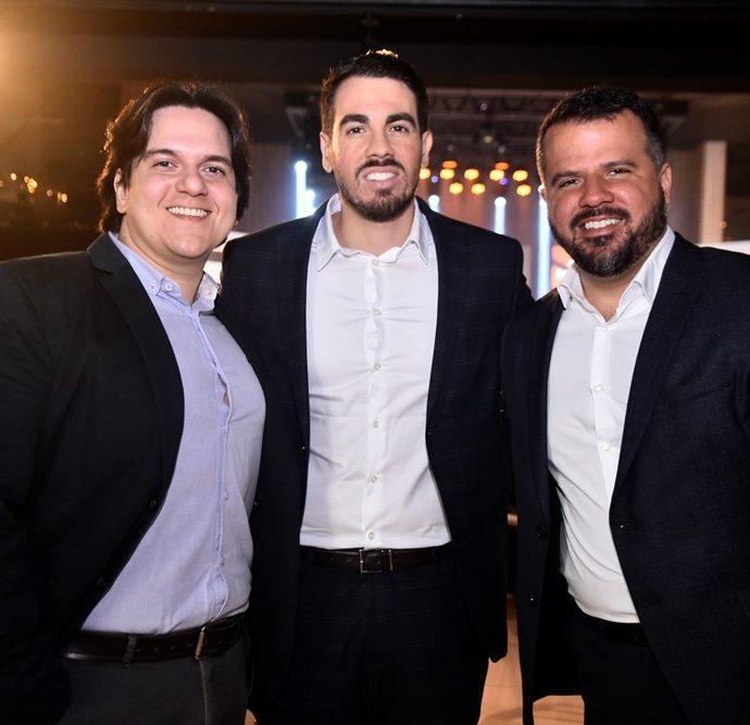 Victor Fernandes, Luis Armando Saboaia, Silvio Almeida