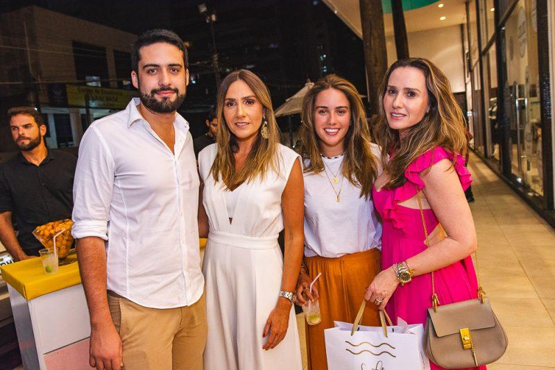 Salt Is ON! - Salt faz sua estreia no mercado de beachwear cearense com coquetel especial