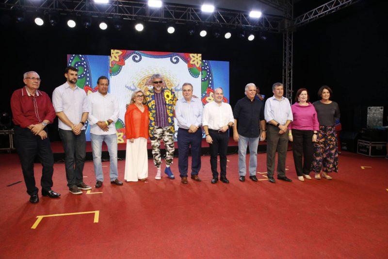 """Merry X-mas - CDL de Fortaleza dá o start oficial no """"Natal de Luz"""" com show de Alceu Valença"""
