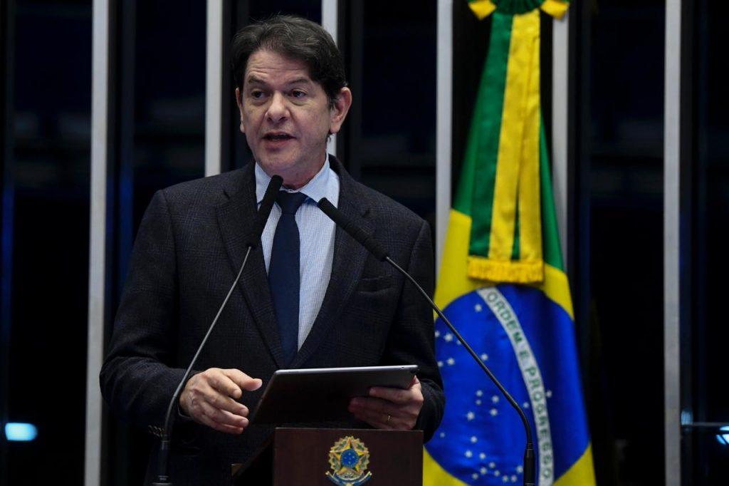 Cid Gomes no Plenário do Senado