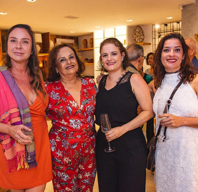Adriana, Clicia, Mariana E Fernanda Capibaribe