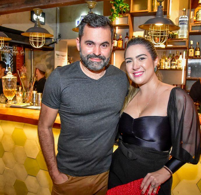 Alan Bezerra E Ana Carolina Marques