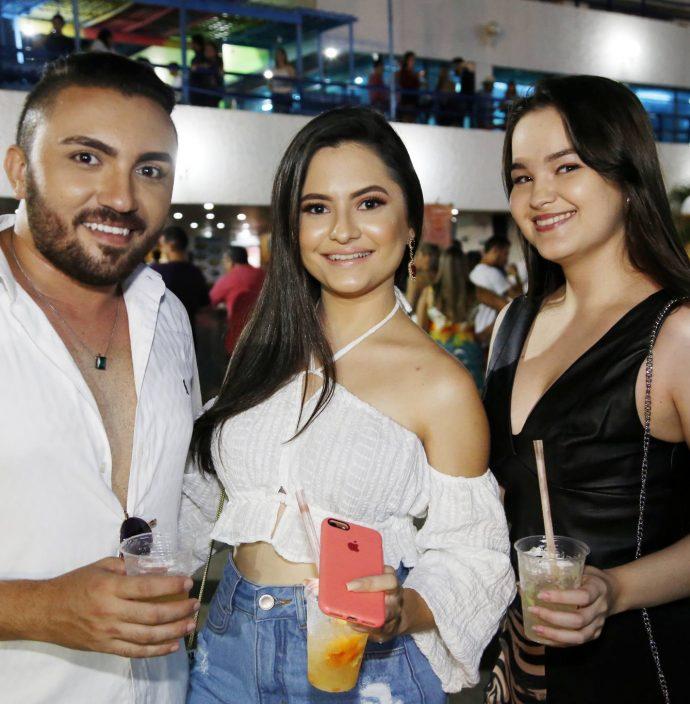 Alexandre Macedo, Maria Luiza E Lara Mauricio