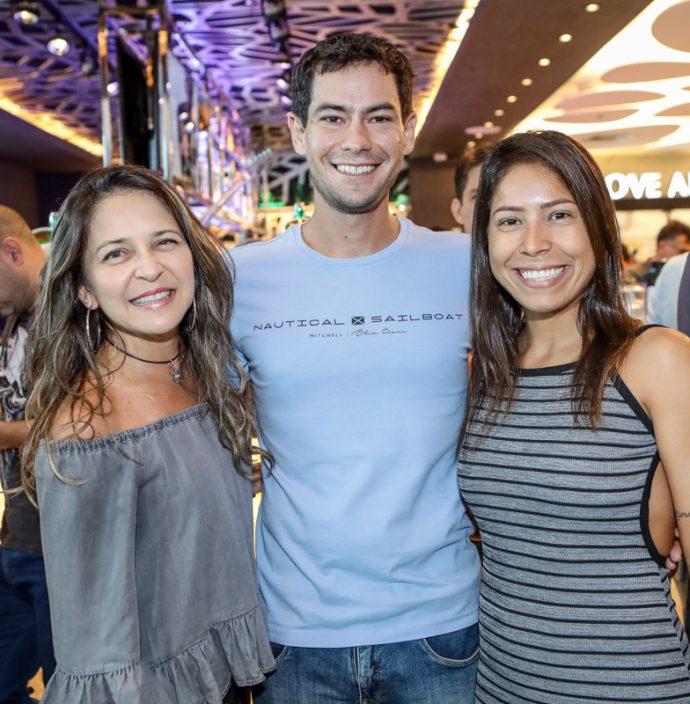 Ana Colares, Davi Ximenes E Mikele Coelho