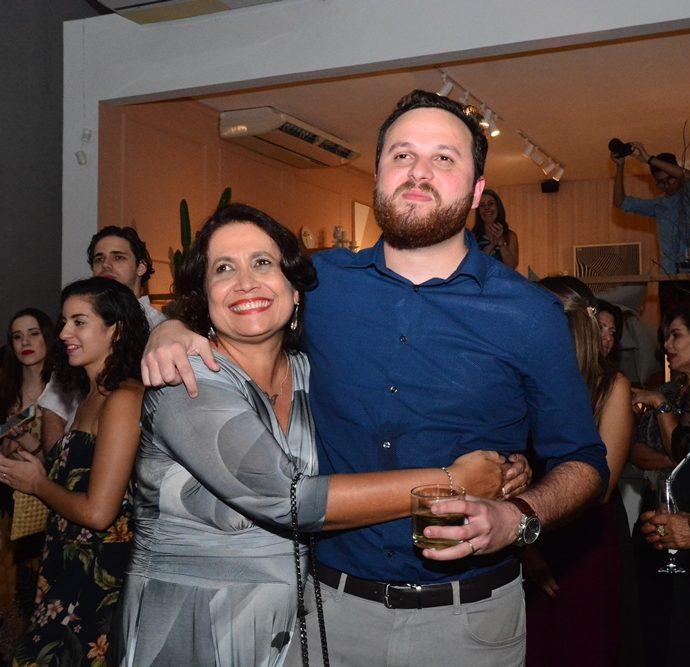 Andréia E Lucas Novais
