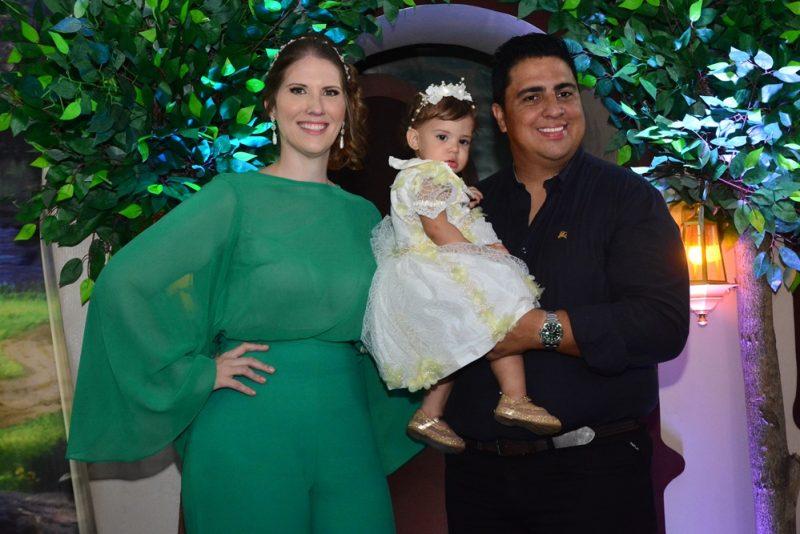 Snow Withe - Suyanne Bessa e Adriano Romero celebram o primeiro aninho de Maria Fernanda