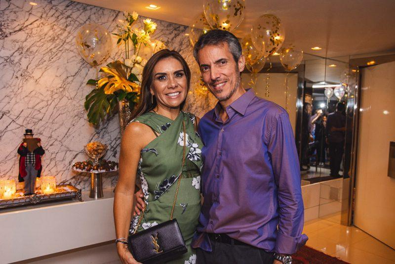 Let`s Celebrate - Christmas Party agita o apê de Pompeu Vasconcelos e Marília Quintão