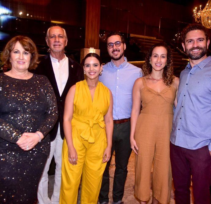 Annette de Castro, Marcos De Castro, Munira Costa, Thomas Reeves, Sasha Reeve, Raul Lira