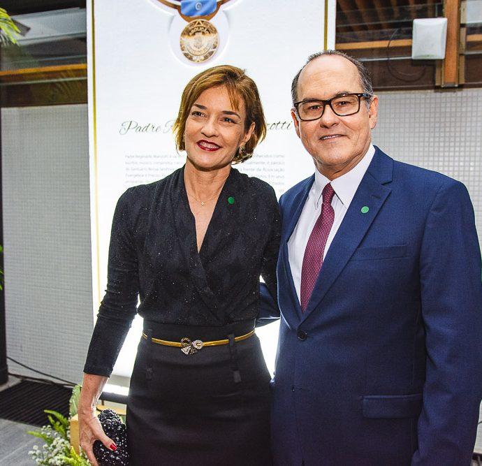 Antonio Marques E Cristiane Cavalcante
