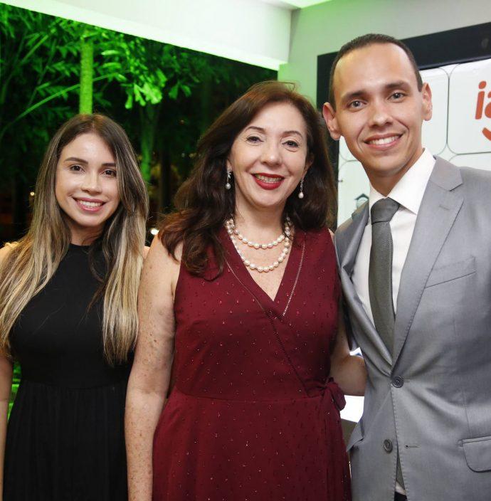 Ariela Carvalho, Gina Pompeu E Pedro Rocha