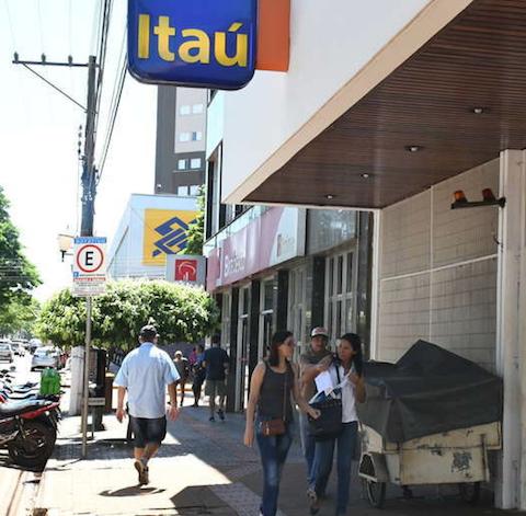Pequenas e médias empresas obtêm R$ 40 bilhões de crédito com juros baixos para manter a folha de pagamento