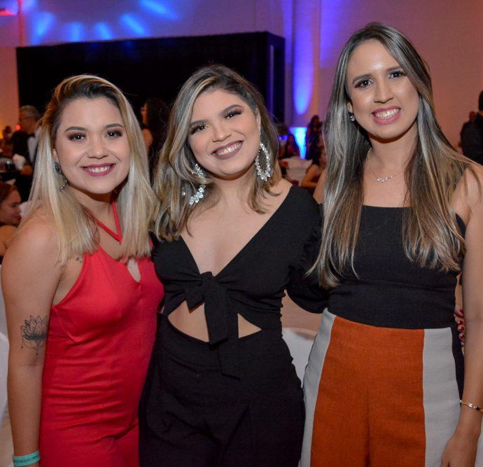 Bruna Farias, Vitoria Carolina E Sandra Regina