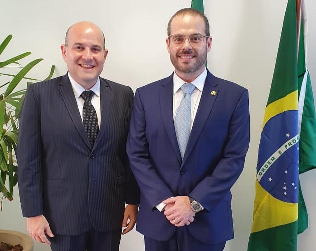 Prisco Bezerra assume mandato de senador na vaga de Cid Gomes