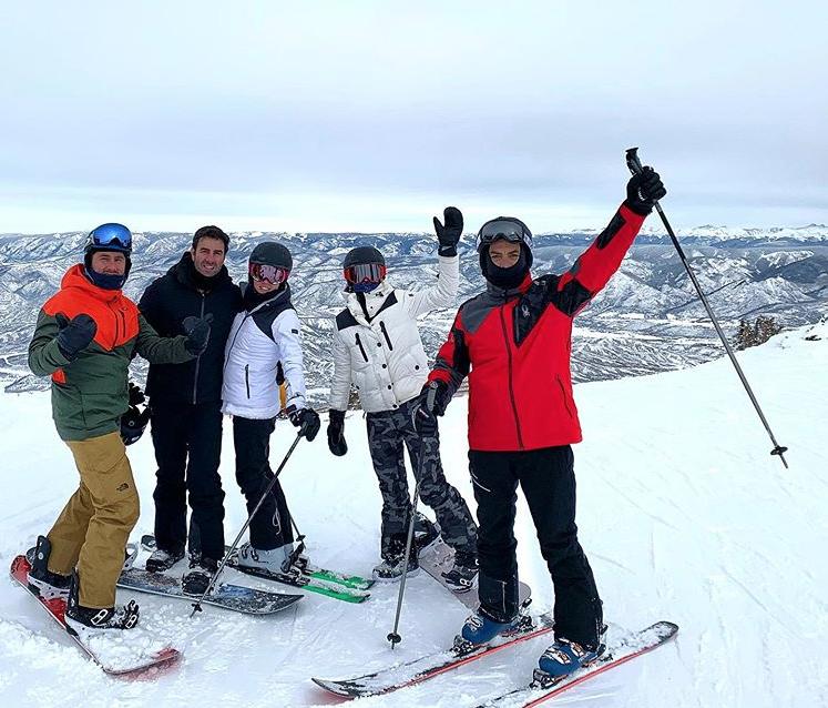 Cearenses curtem temporada de muita neve, esqui e badalação em Snowmass