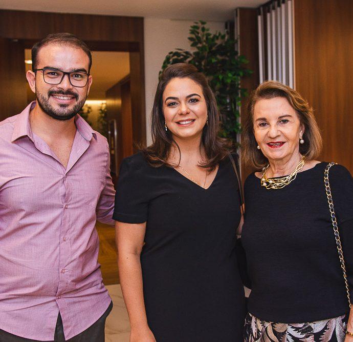 Carlos Mesquita, Marina Holanda E Olga Holanda