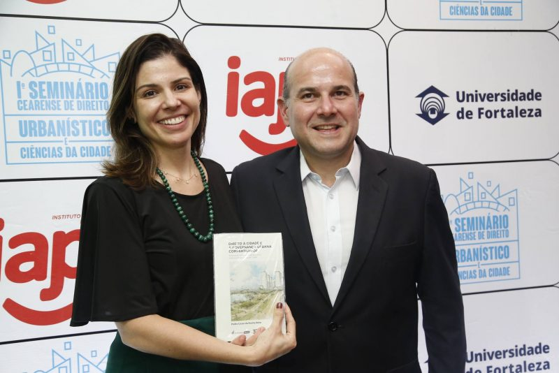 Cidade e Governança - Pedro Rocha Neto pilota lançamento de livro na Universidade de Fortaleza