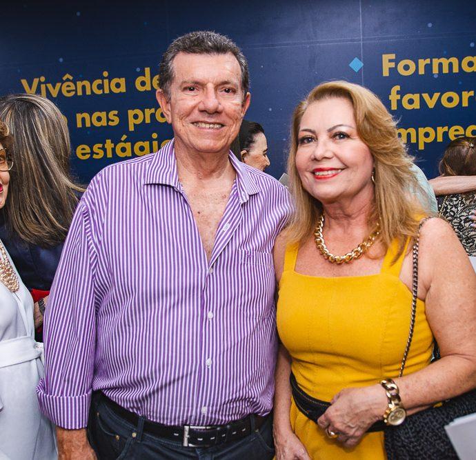Cesar E Ines Cals