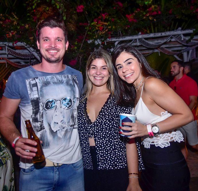 César Peixoto, Marcelle Gonçalves, Marilia Duarte