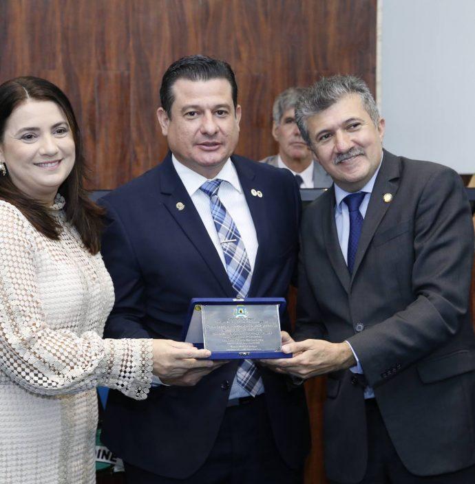 Claudia Gomes, Ricardo Araujo E Antonio Henrique