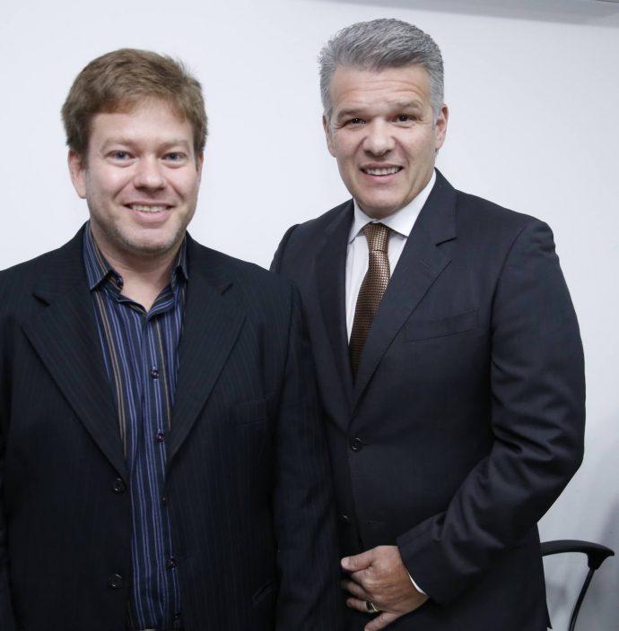 Daniel Wanderley E Ferruccio Feitosa