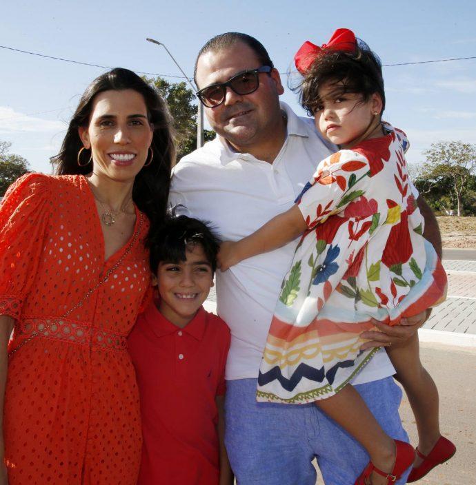 Daniela, Danilo, Luciano E Lara Cavalcante