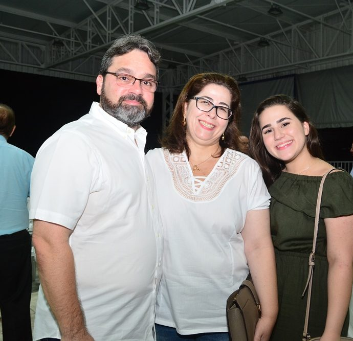 Demetrio, Adriana E Beatriz Hiluy