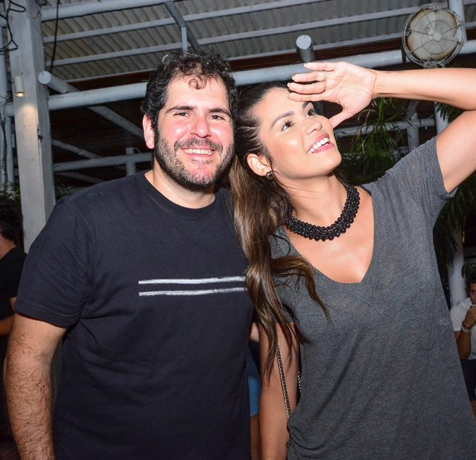 Eduardo Castelão E Jade Oliveira