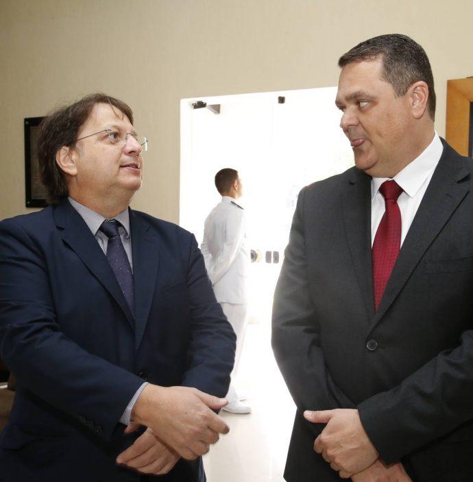 Eduardo Escorsafava E Alexsander Perazo