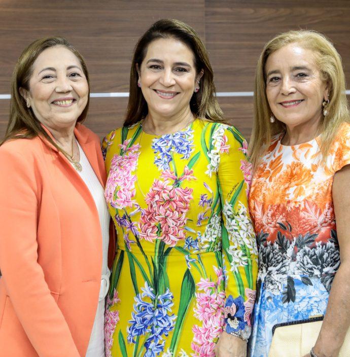 Eleuses, Patricia E Clarissa Alencar