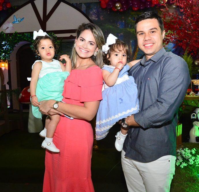 Elizabeth, Marcos, Elis E Esther Albuquerque