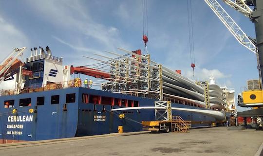 Porto do Pecém praticamente triplica embarque de pás eólicas